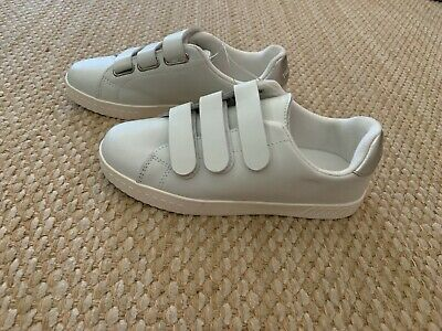 Clothing, Shoes & Accessories Stick Enclosure Size 5 1/2 Ample Supply And Prompt Delivery Temperate Tretorn Ladies White Sneakers/comfort Slip On Shoes