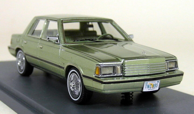 NEO SCALA 1/43 - 44895 DODGE Aries K-AUTO 1983 Verde Metallizzato Auto modello in resina