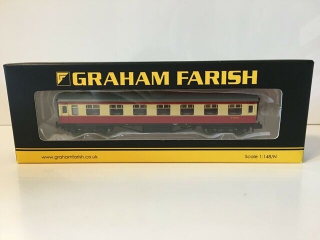 Graham Farish 374-060D N Gauge BR Crimson//Cream Mk1 SK Coach