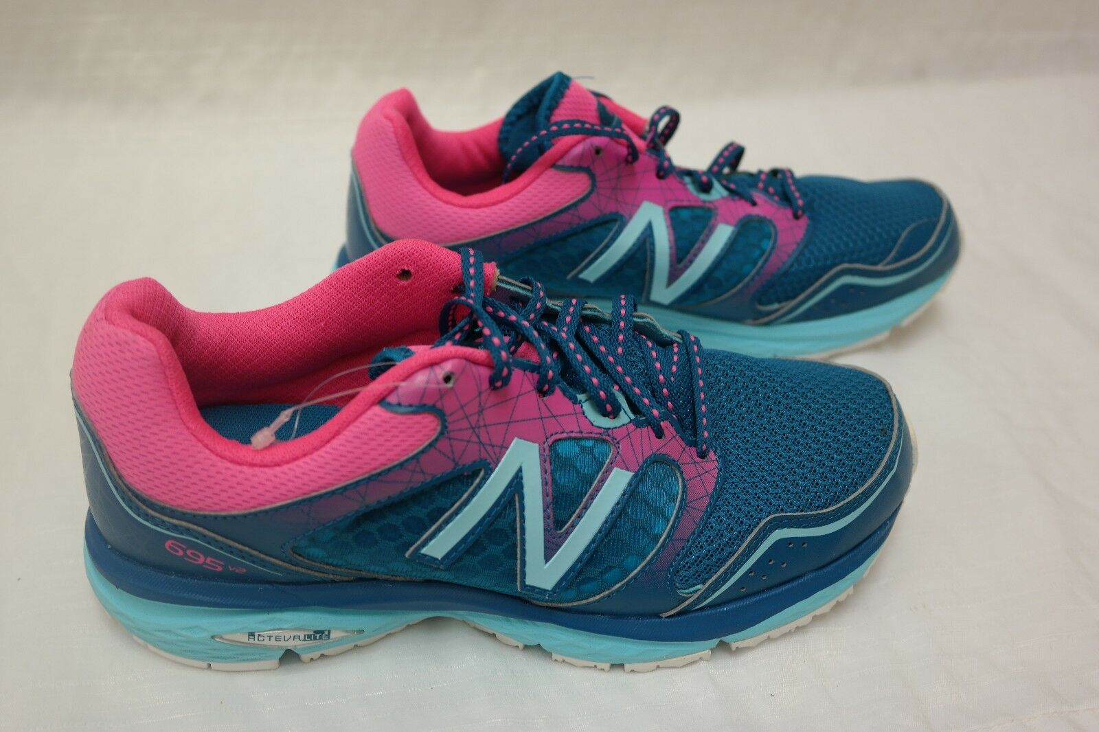 New  WOMEN'S New Balance W695LA2 Athletic shoes Sneakers Turquoise Pink Sz 6.5 H3