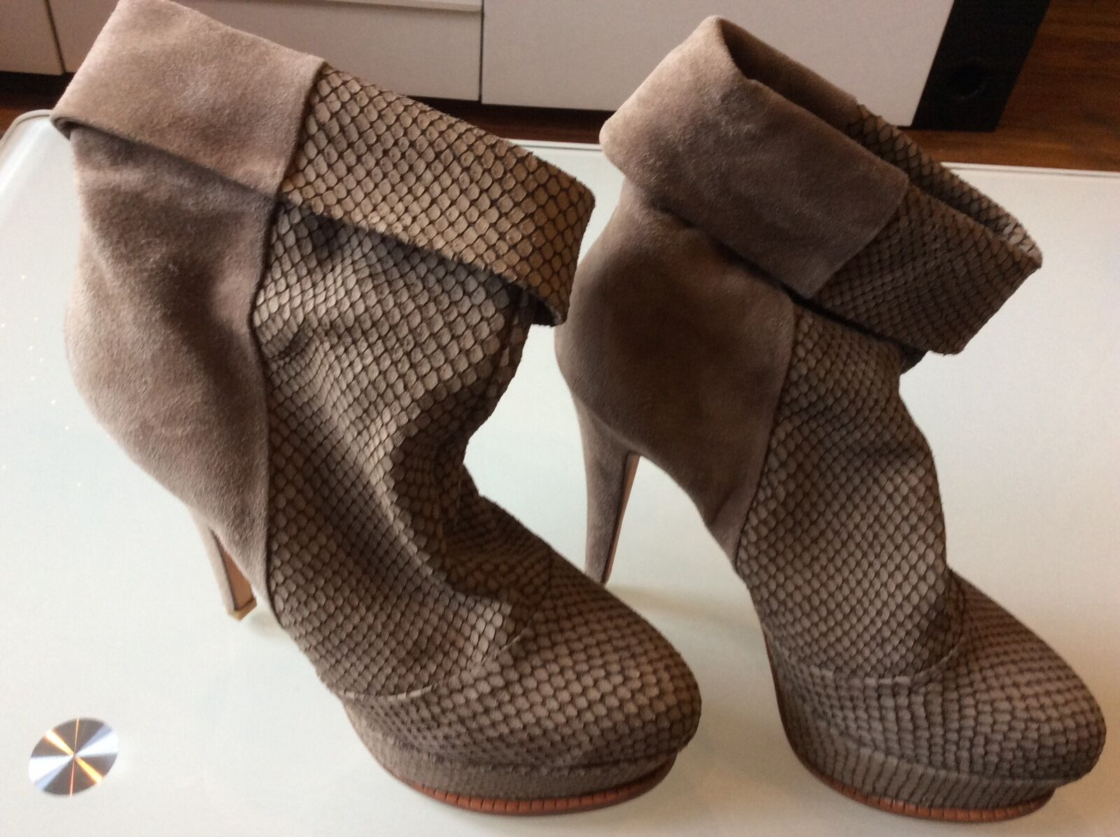 Dolce vita women's taupe  suede high heels/platforms  boots  size 6.5  78.00