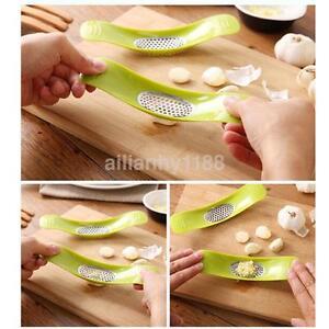 Stunning-Garlic-Press-Crusher-Cutter-Cooking-Kitchen-Tool-Novelty-Gadget-New