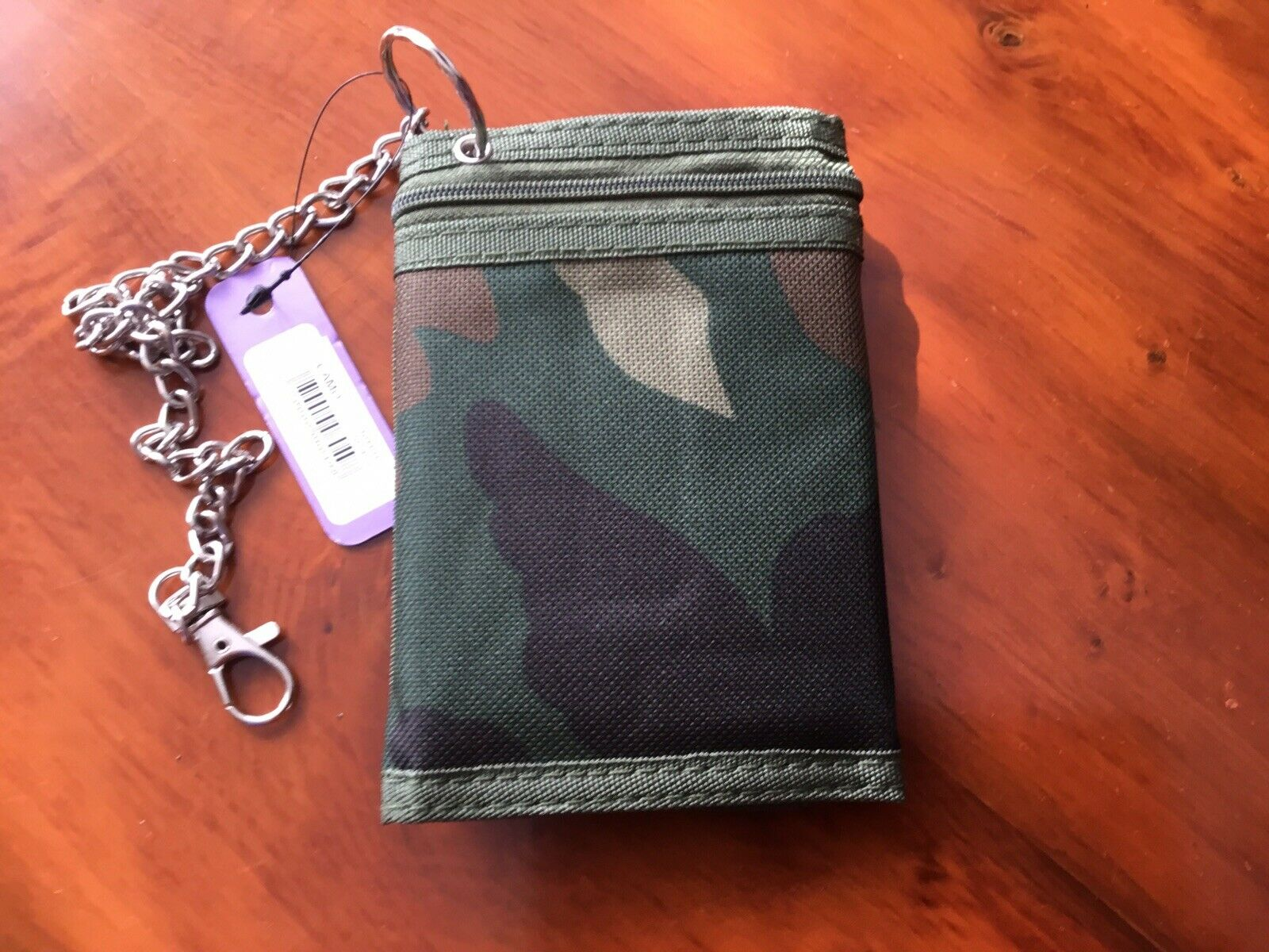NEW Mens Boys Army. CAMMO Tri-fold Wallet with Security Chain.