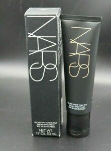 Nars-Velvet-Matte-Skin-Tint-Light-3-Groenland-6528-New-In-Box-NIB-1-7oz-50-mL