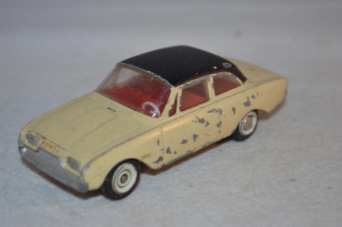 Tekno Denmark 826 Ford Taunus 17 M 2 tone in good plus original condition