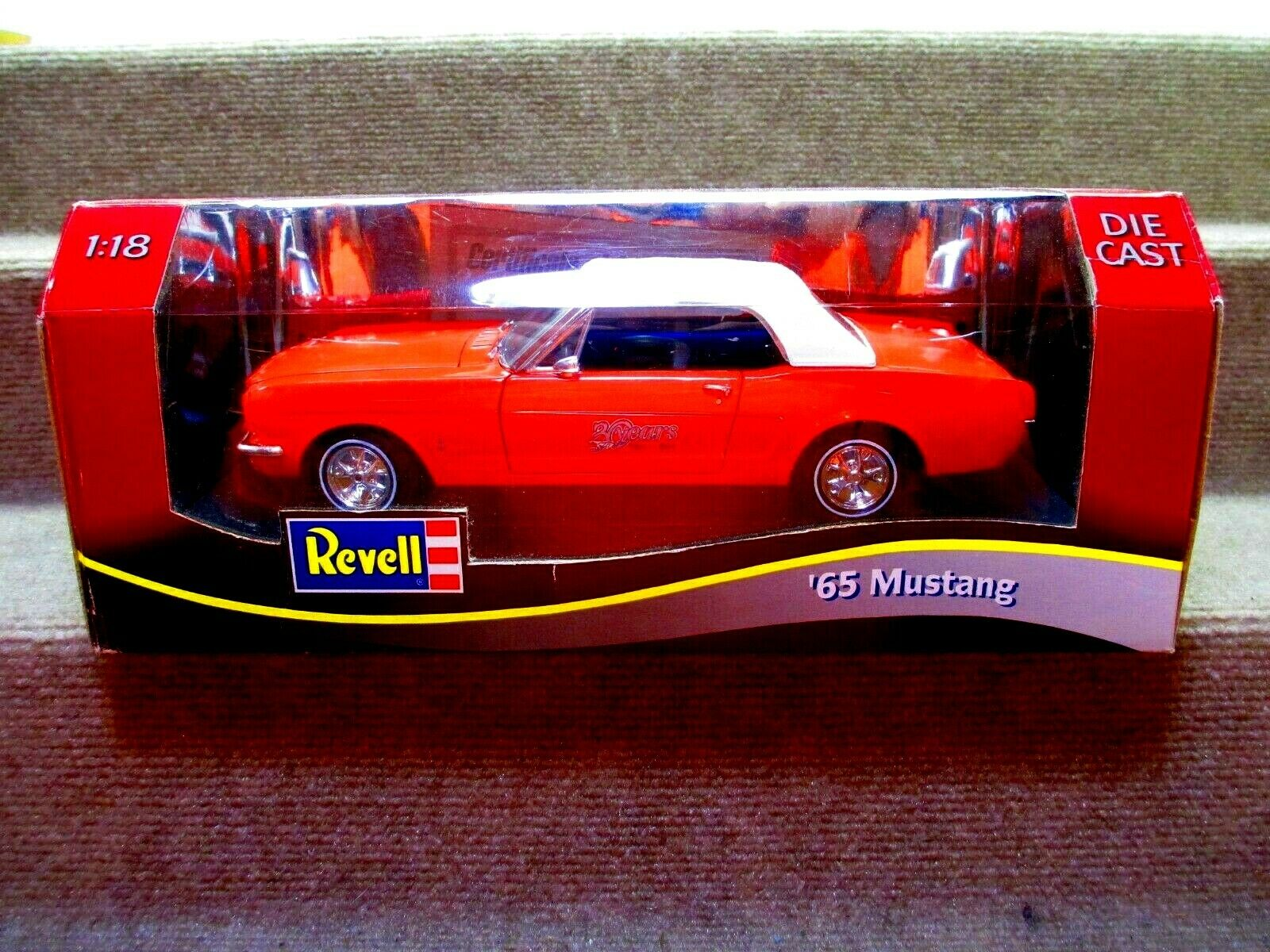 Revell 1965 Mustang CONgreenIBLE  (red) 30 YEAR ANNIVERSARY MODEL DIECAST METAL