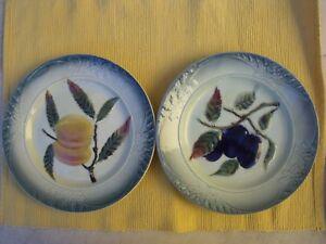 2 Anciennes Assiettes En Barbotine Prunes Et Abricots
