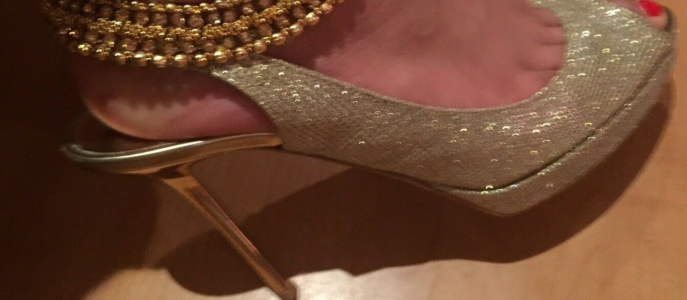 Jimmy Choo Femmes Fille Talons Hauts Femme Party Dolly Dolly Dolly mariée champagne Taille UK 4 b6ec1f