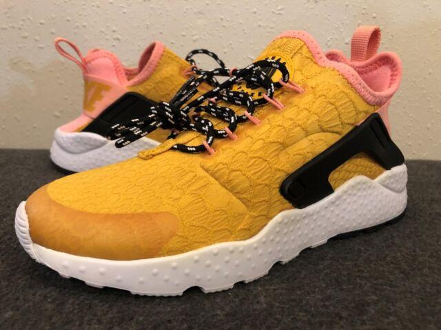 16c490f6dc16 Women s Nike Air Huarache Run Ultra SE Running shoe Size 5 Gold (859516-700