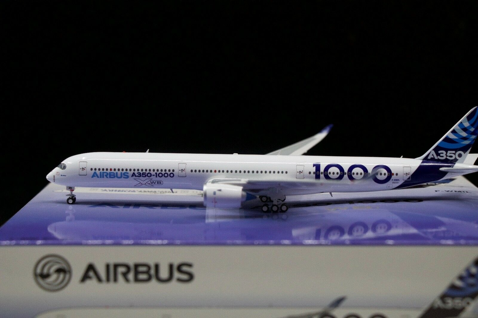 Aviation 400 1 400 Airbus A350-1000 'House Colours' F-WMIL