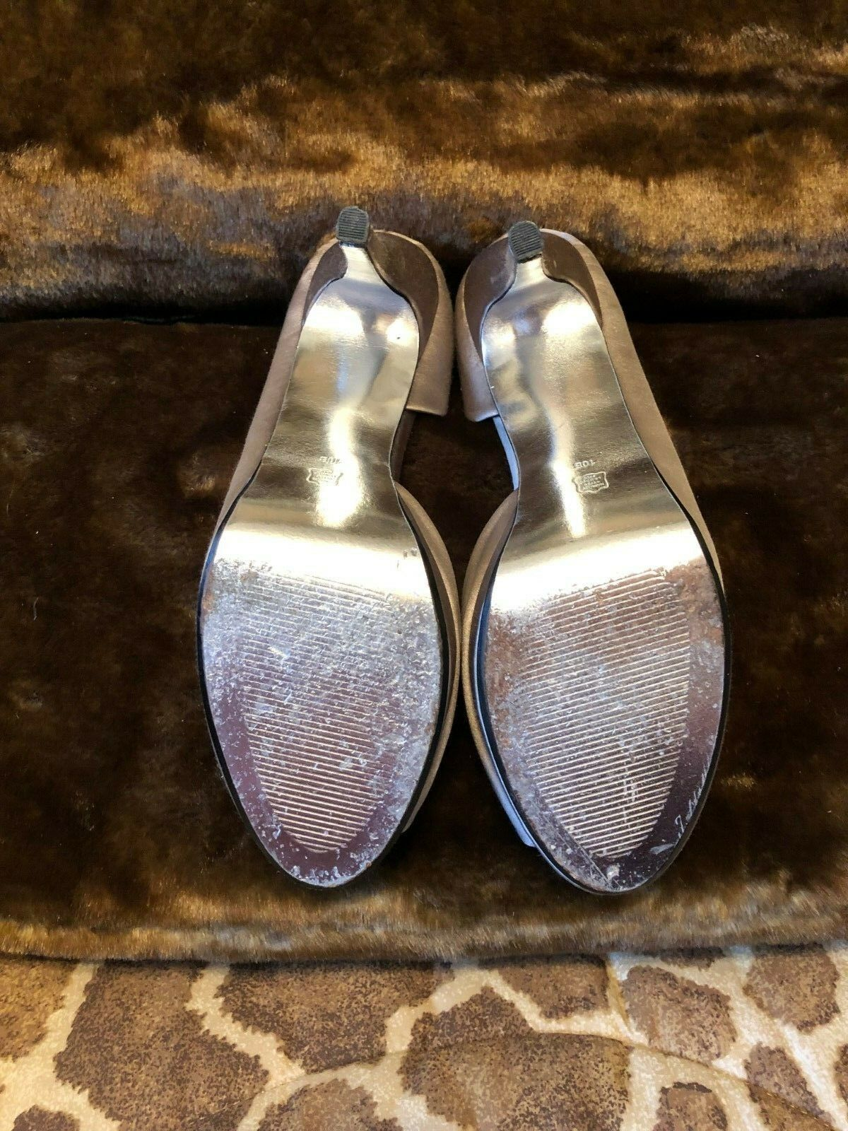 E  Live From The Red Carpet Grey Grey Grey Fawn Peep Toe Satin Stiletto Heels Size 10  139 f25d76
