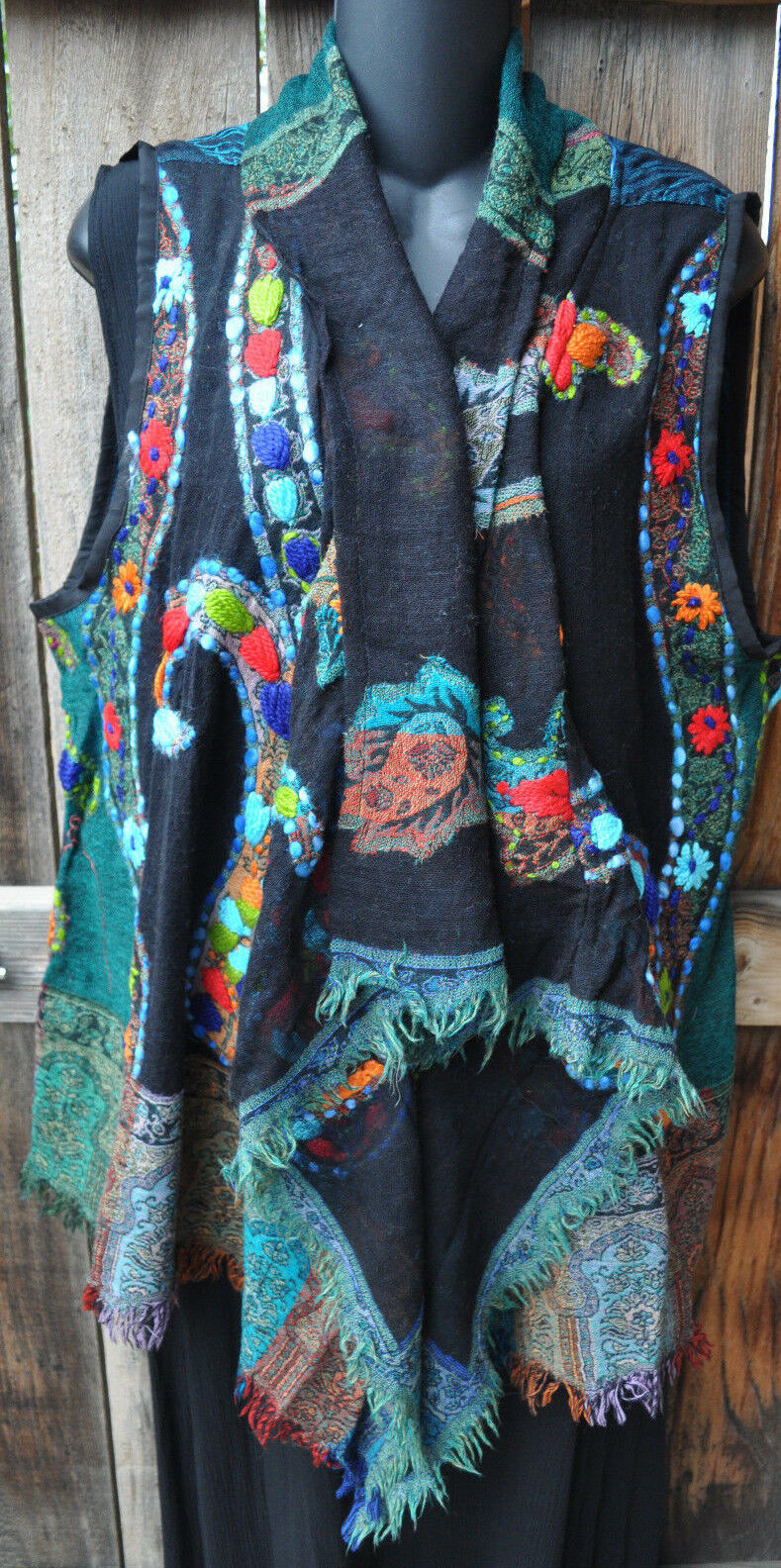 ART TO WEAR REVERSIBLE SOFT WOVEN WOOL VEST BY ANU,  SAVANNAH , SIZES SM,MED