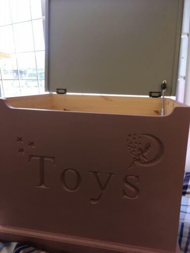Personnalisé en bois Coffre à jouets avec Doux Fermeture Couvercle Handmade solide