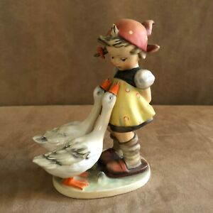 Large-7-5-034-Goebel-Hummel-Figurine-Goose-Girl-Geese-47-II-vintage-W-Germany-bee