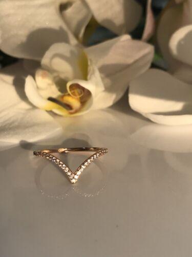 1//6 C Round Cut chevron V shape Stackable Anniversary Wedding Band 14K Rose Gold