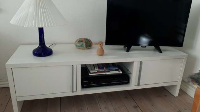Tv bord, laminat, b: 150 l: 0 h: 45, Tv / dvd bord med to…