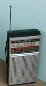 Vintage-GENERAL-ELECTRIC-GE-FM-AM-TRANSISTOR-RADIO-w-TV-SOUND-Model-7-2924A