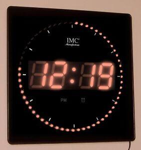 LED-Wanduhr-mit-Zahlen-orange-quadratisch-digital-Uhr-Datum-Temperatur-Alarm-S