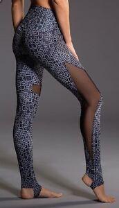 f2b9bdf8fa9e9 NWT $79 Onzie Yoga High Rise Stirrup Legging Chain Gang Black White ...