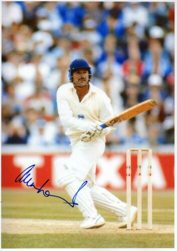 ENGLAND CRICKET ALLAN LAMB Signed 12x8 Photograph