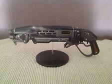 "Gears of War 4 - ""Gnasher"" Waffenattrappe - NEU -"