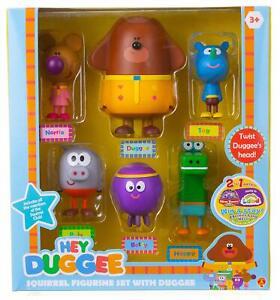Hey-Duggee-Squirrel-Figurine-Set-with-duggee