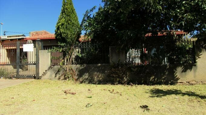 3 Bedroom with 2 Bathroom House For Sale North West