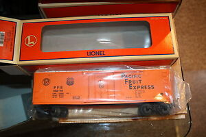 Lionel-O-gauge-Reefer-car-17314-NIB-mint-Pacific-Fruit-Express