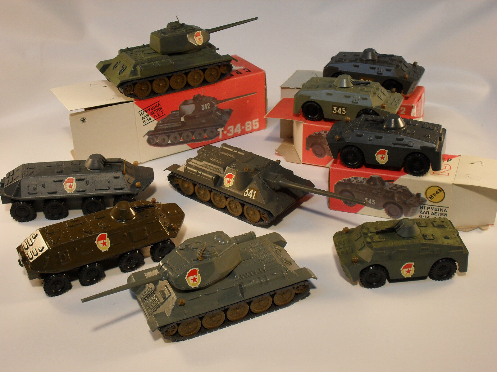 LARGE LOT 1 43 43 43 RUSSIA T-34 CY-100 TANKS, 8 WHEEL CARRIER,ARMORED CARS some w BOX b3d7b7