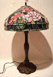 Beautiful Tiffany Style Art Stained Glass Pink Lotus Flower Table