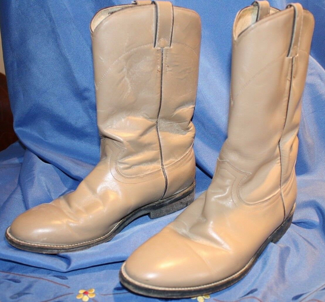Women's Cowtown boots size 7