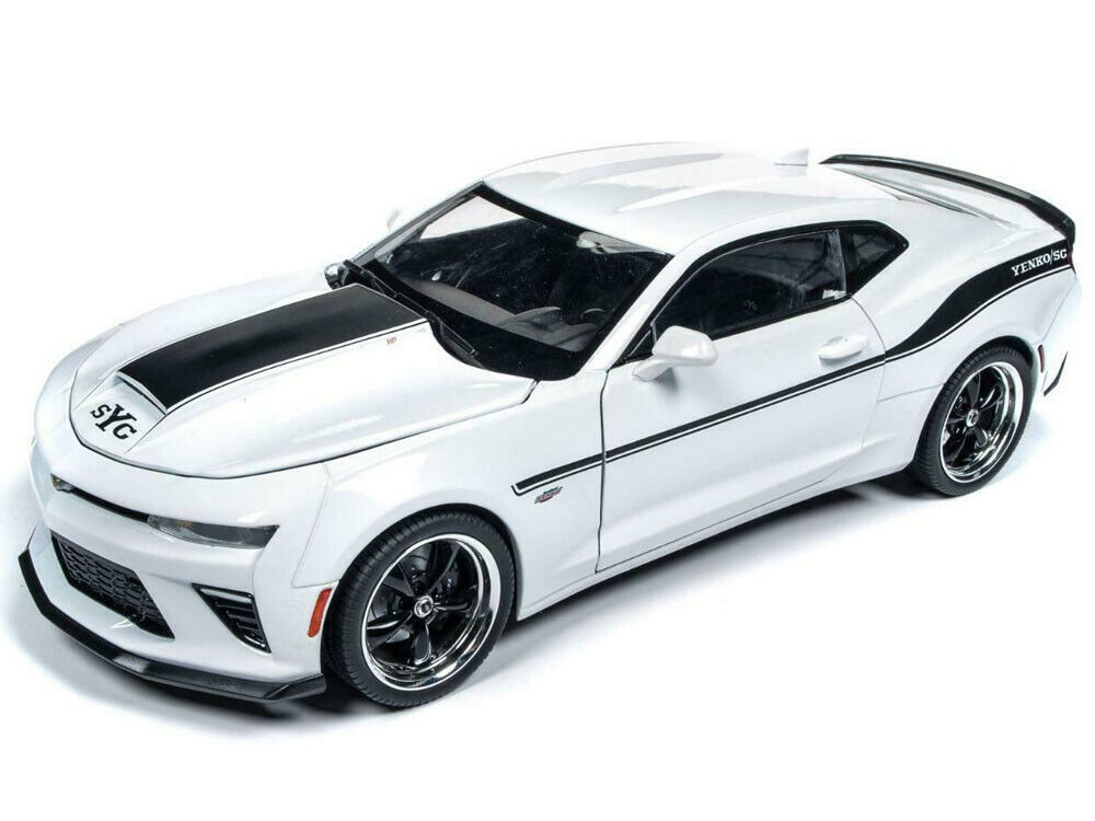 Autoworld 1 18 2018 Chevrolet Camaro Yenko Stage II & Stripes Model White AW253
