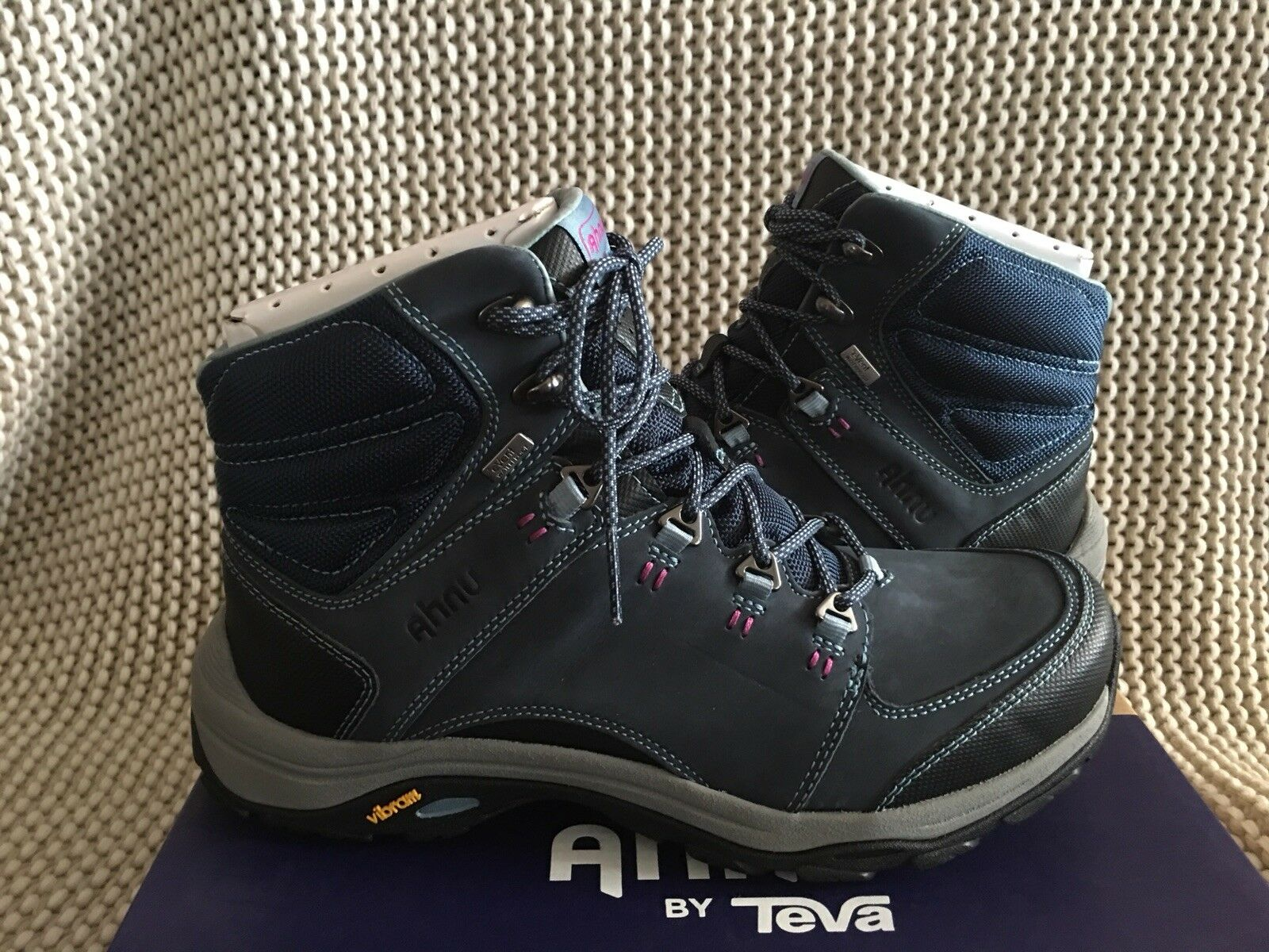 AHNU MONTARA III BOOT EVENT blueE SPELL LEATHER HIKING WOMEN'S BOOTS SIZE US 9.5