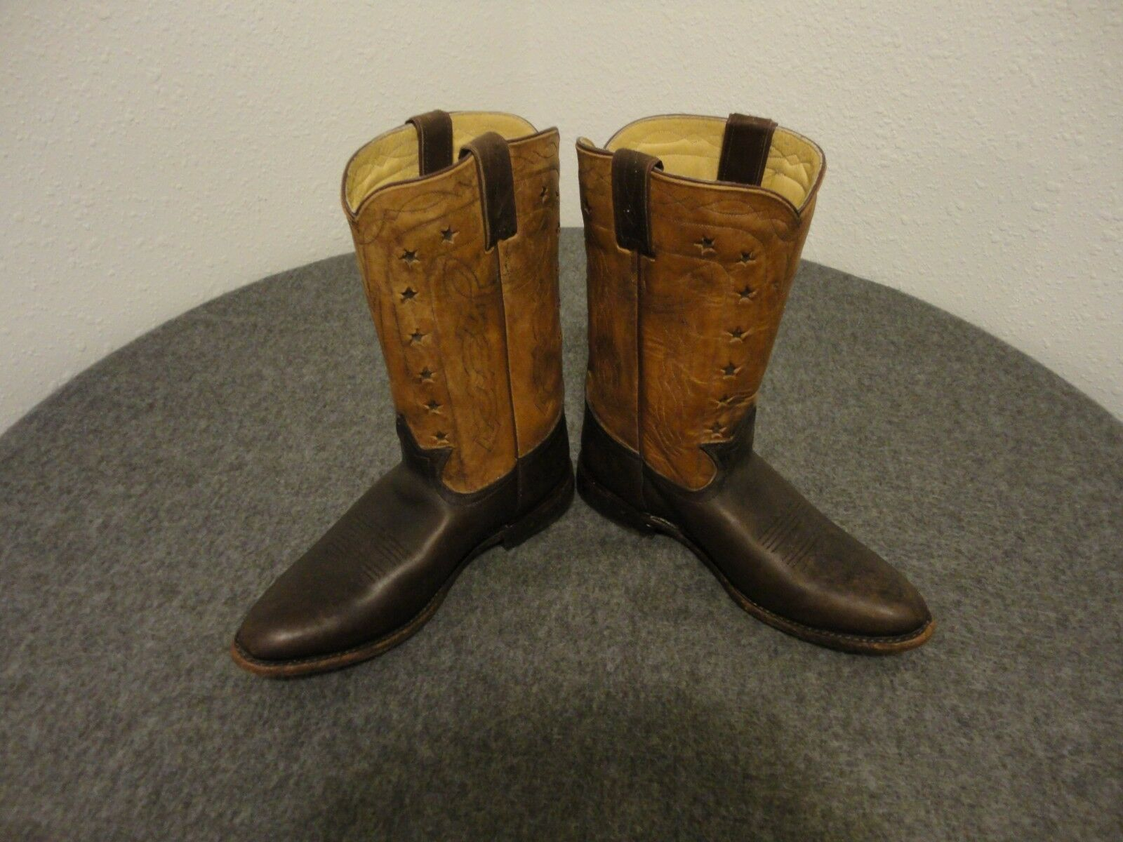Frye Cow-Boy Cuir Gravé Femmes bottes-76808- Marron Taille 9.5 B- ( Belk 125)