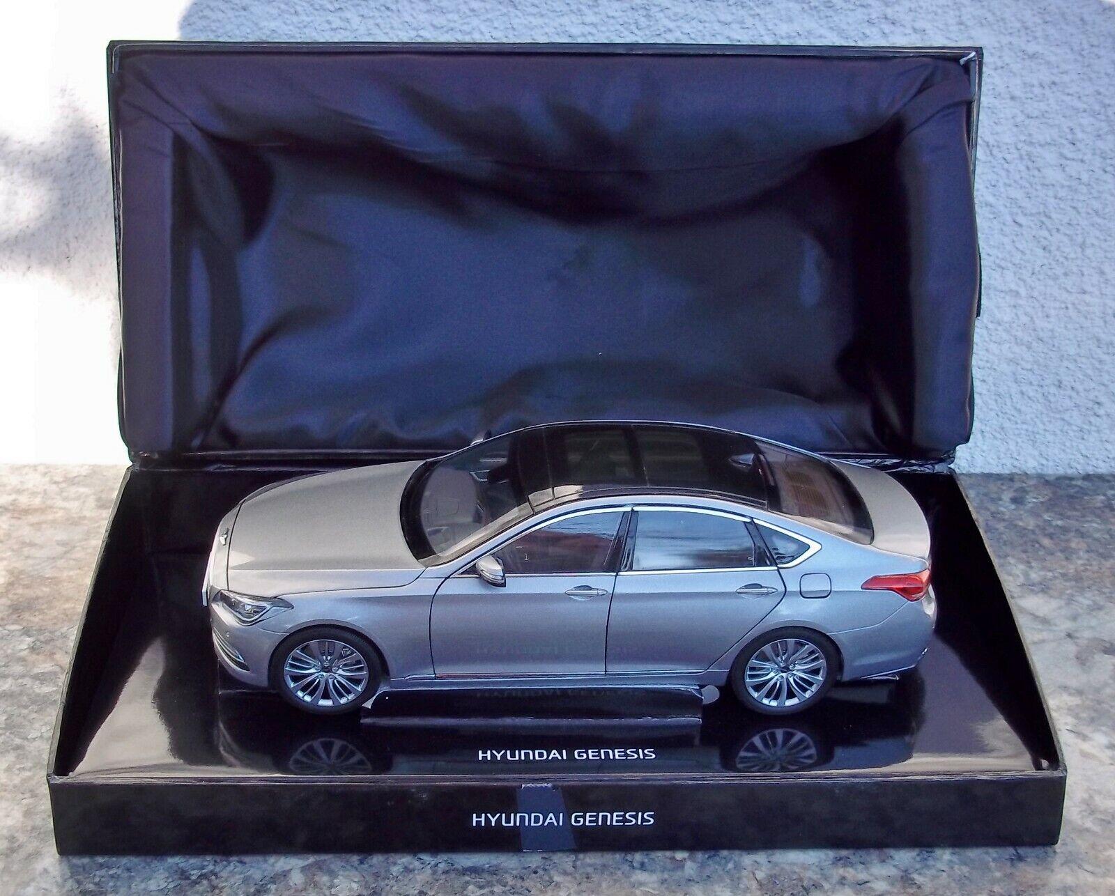 Minikraft Modelos 2014 Hyundai Genesis 1 18 argento Diecast Modelo Coche Raro Distribuidor