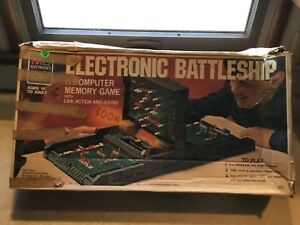 VINTAGE-1970-1St-Electronic-BATTLESHIP-MIlton-Brady-tested-working-Lot