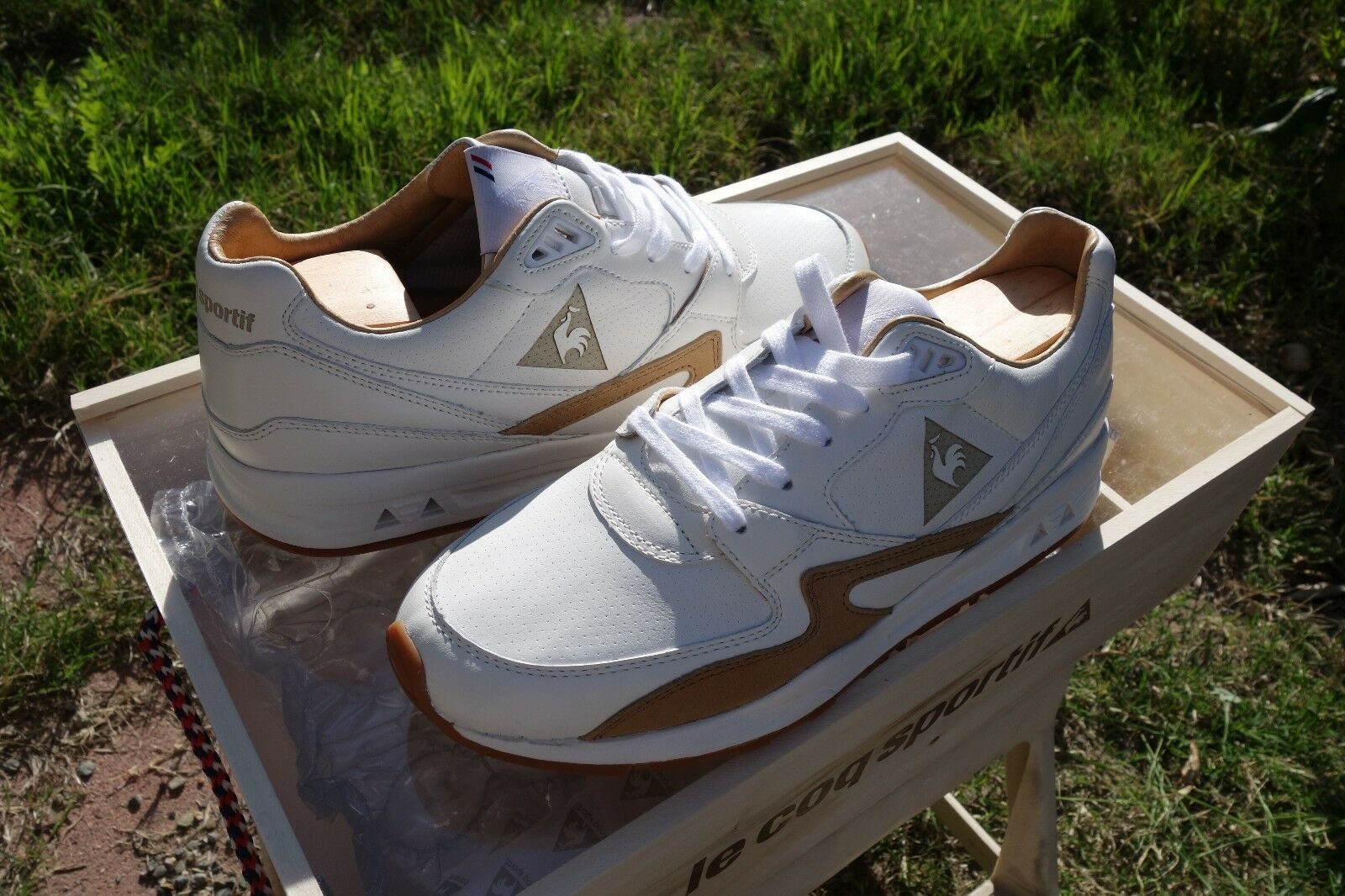 Le Coq Sportif R800 MIF Made in France Size 9, pairs