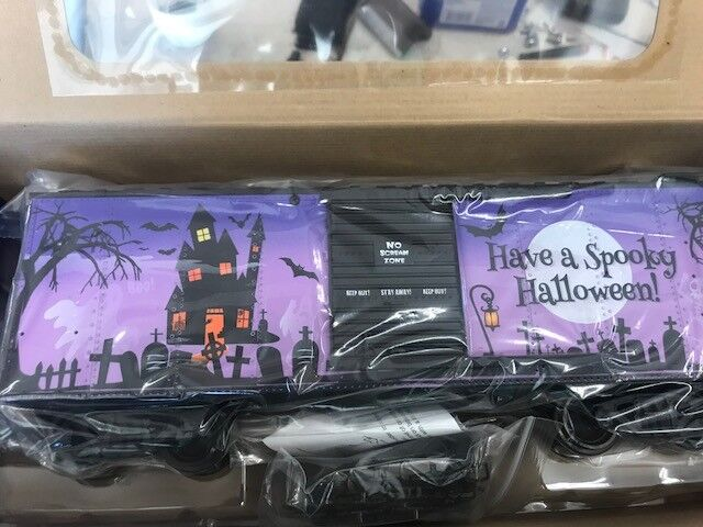 USA Trains Just Released New HALLOWEEN Steel Boxcar - 1 of 2 Different Ones NEW