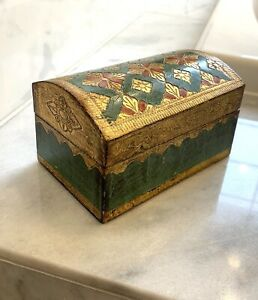 Vtg-Italian-Gold-Gilt-Florentine-Hollywood-Regency-Wood-Trinket-Jewelry-Box