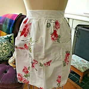 Half-Apron-Cocktail-Pink-Red-Roses-White-Cotton-Vtg-60s-3-panels-2-Pockets