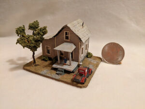 Z scale scratch built 1940s HOUSE WITH PICKUP TRUCK - building, structure