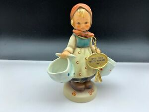 Hummel-Figurine-175-Market-Christel-5-1-2in-1-Choice-Top-Condition