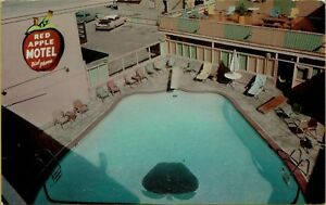 Air-Aerial-View-Red-Apple-Motel-Swimming-Pool-Yakima-WA-Postcard-B40