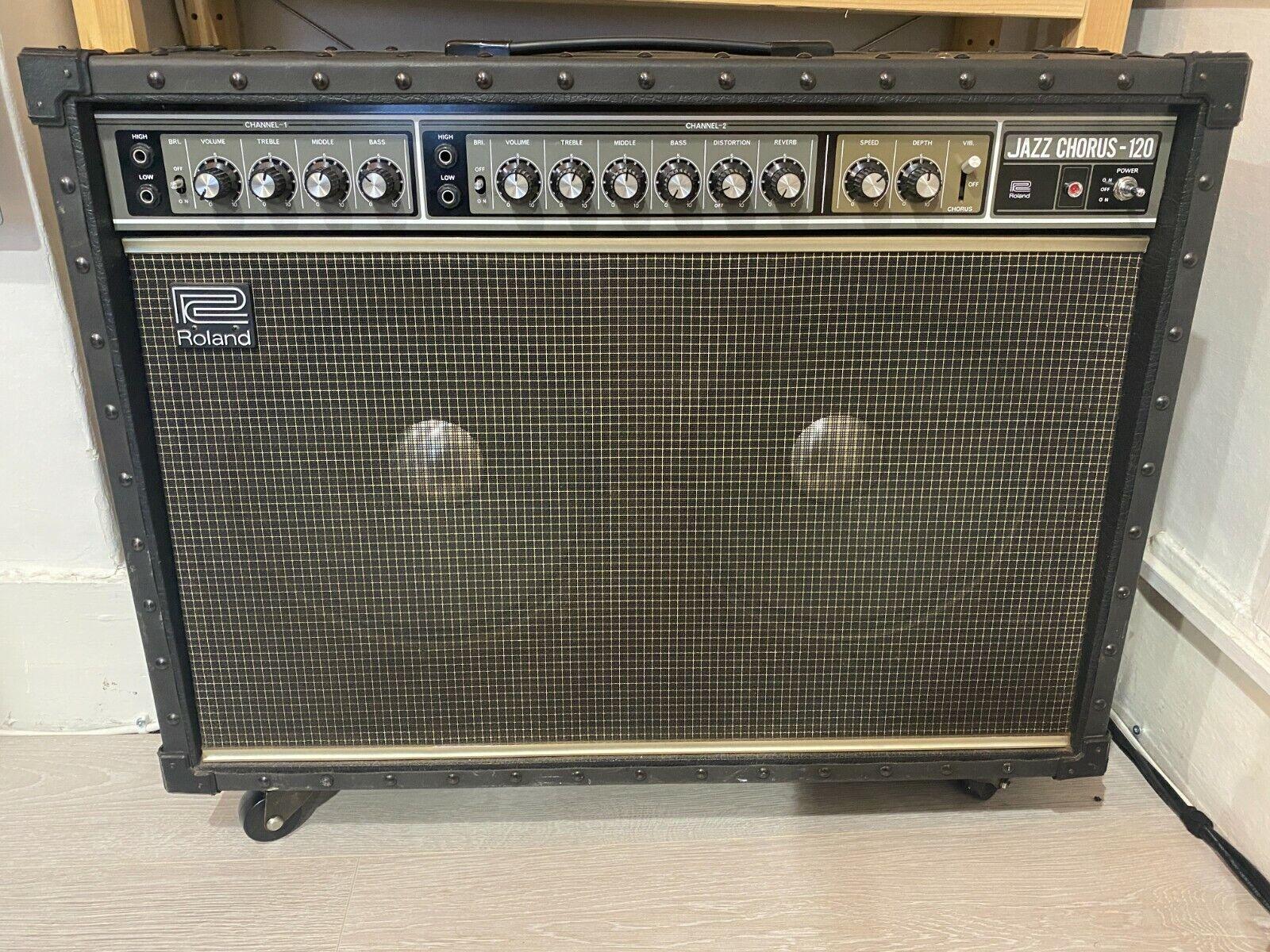 VINTAGE Roland Jazz Chorus JC 120 2x12 Guitar Amplifier Combo 1980