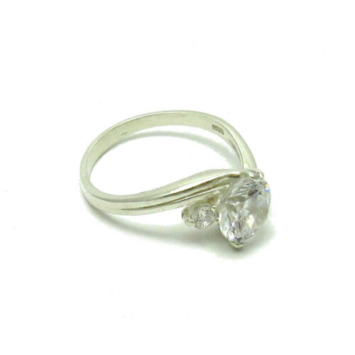 Stylish Sterling Silver Ring Solid Hallmarked 925 avec 8 mm CZ impératrice R000361