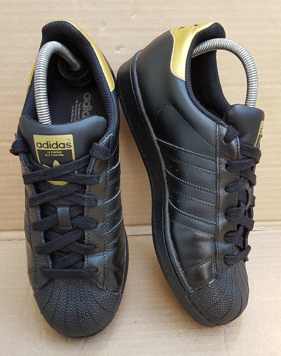 DEADSTOCK RARE ADIDAS SUPERSTAR BLACK  GOLD 5.5 TRAINERS SIZE 5.5 GOLD UK HARDLY WORN 9df76d