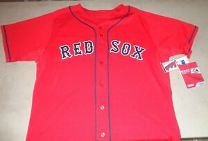 BOSTON RED SOX T-SHIRT NWT OFFICALLY LICENSED BY MLB SIZE ADULT MED LG