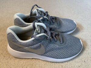 ladies running trainers in grey/white
