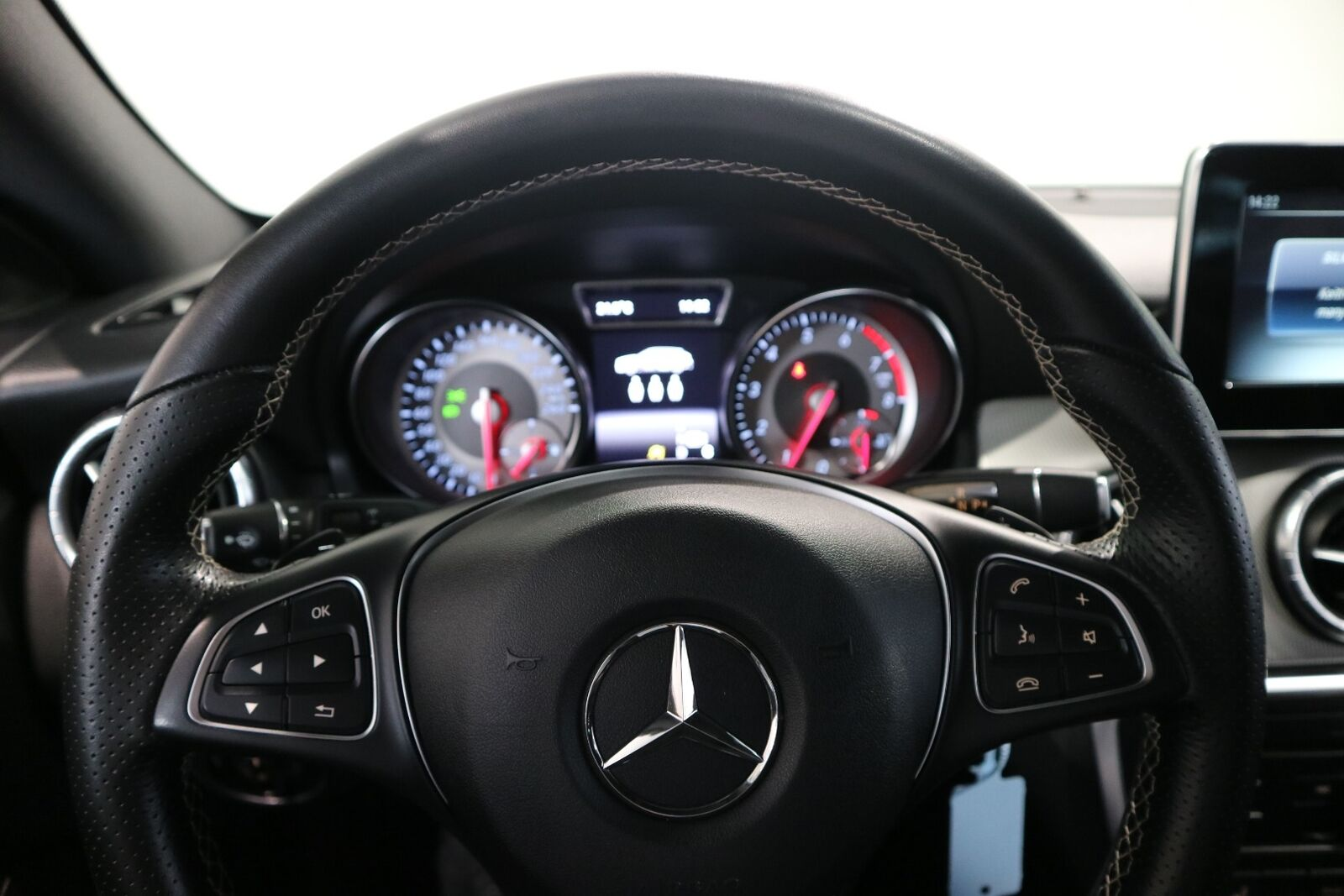 Mercedes CLA200 1,6 Shooting Brake aut. - billede 2