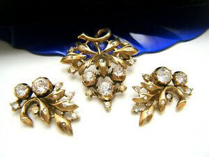 Superb-Crown-Trifari-Pat-Pend-Brooch-Earring-Set-Brilliant-Rhinestone-Gold-Tone